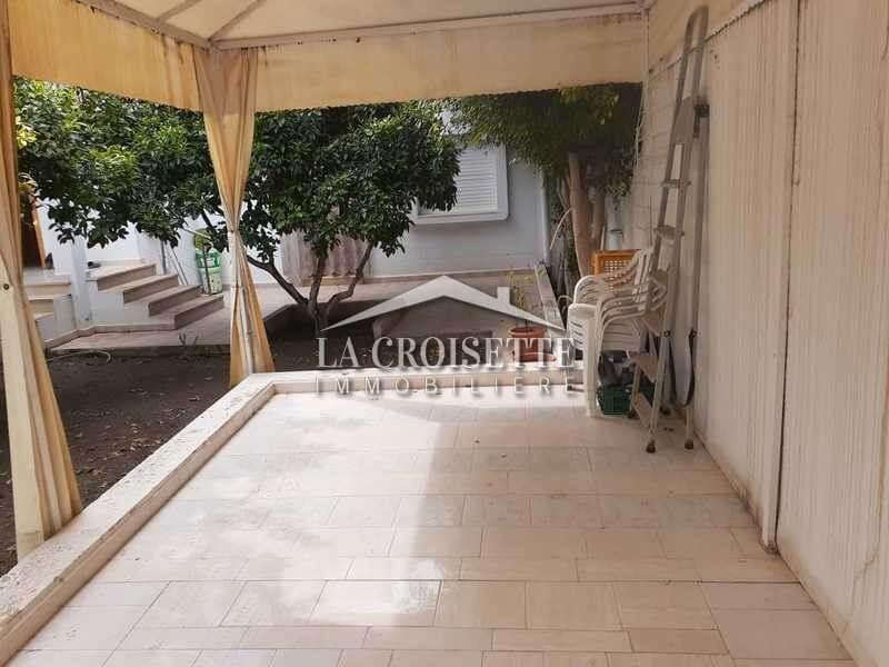 Un étage de villa meublé S+3 à Gammarth Village