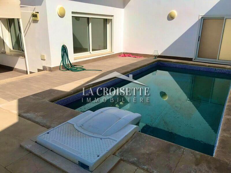Un penthouse S+4 avec piscine aux Jardins De Carthage