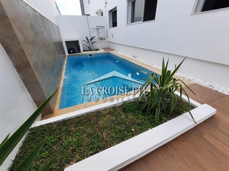 S+3 neuf avec piscine à Gammarth
