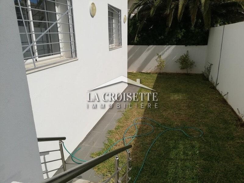 Un appartement S+3 avec jardin à La Soukra