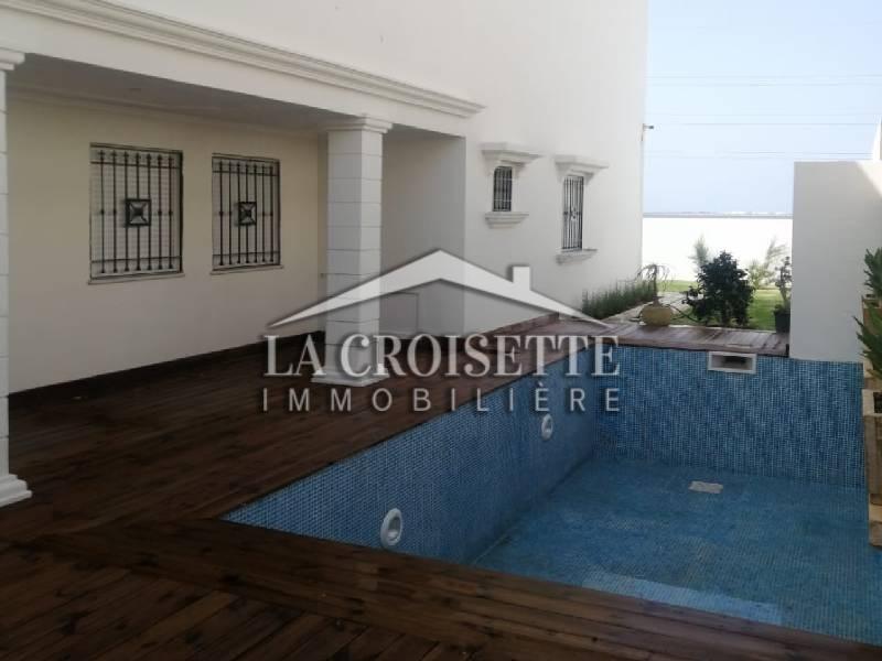Villa plain-pied S+4 avec piscine à La Soukra