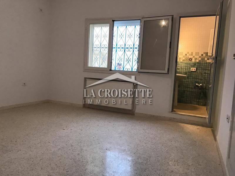 Étage de villa avec une entrée indépendante à La Marsa