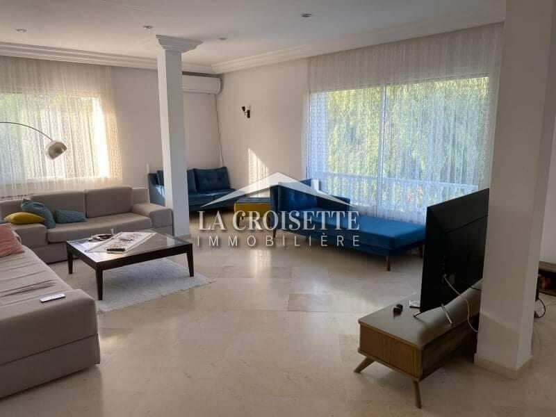 Un étage de villa S+2 meublé à La Marsa