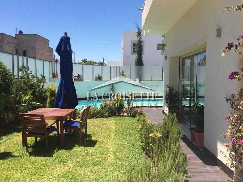 Villa S+5 avec piscine à La Marsa