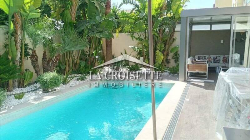 Une villa S+3 avec piscine à La Soukra