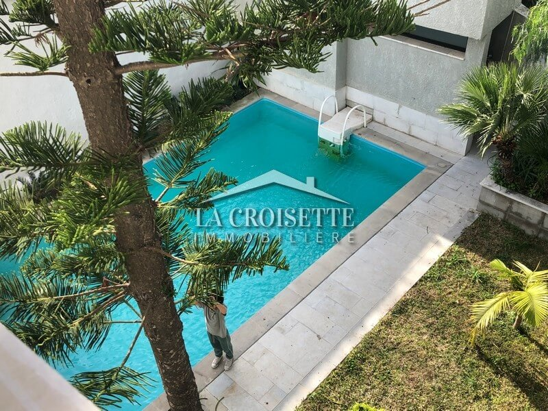 Une villa S+6 avec piscine à Sidi Bou Said