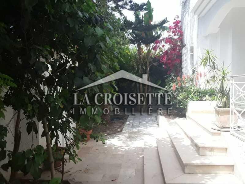 Villa S+4 avec jardin à La Marsa