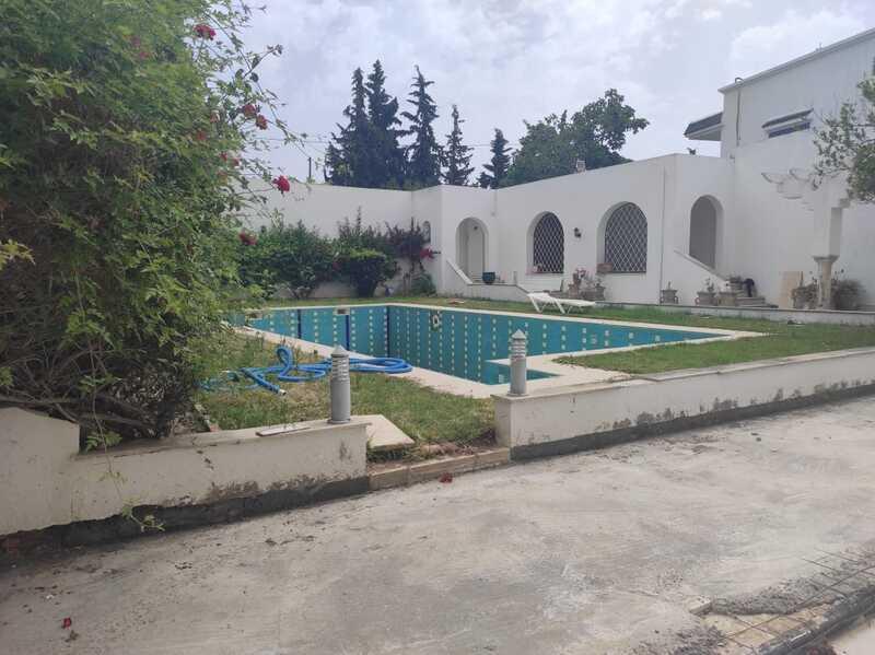 Villa S+5 avec piscine à Gammarth Supérieur