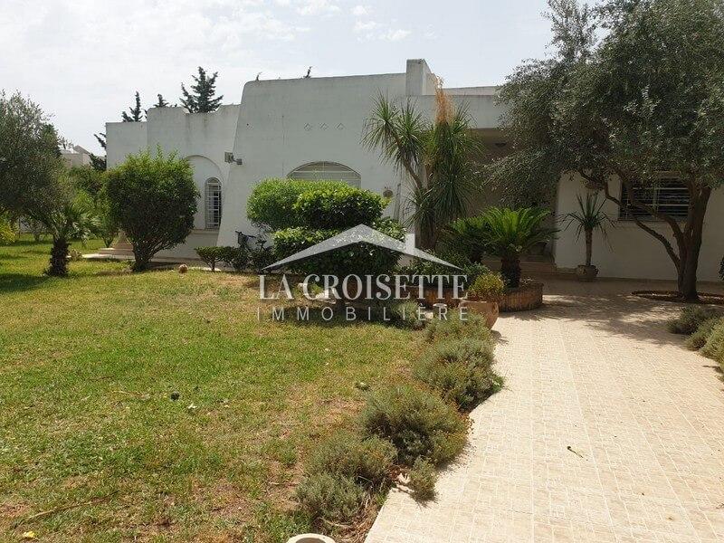 Villa S+4 à La Soukra