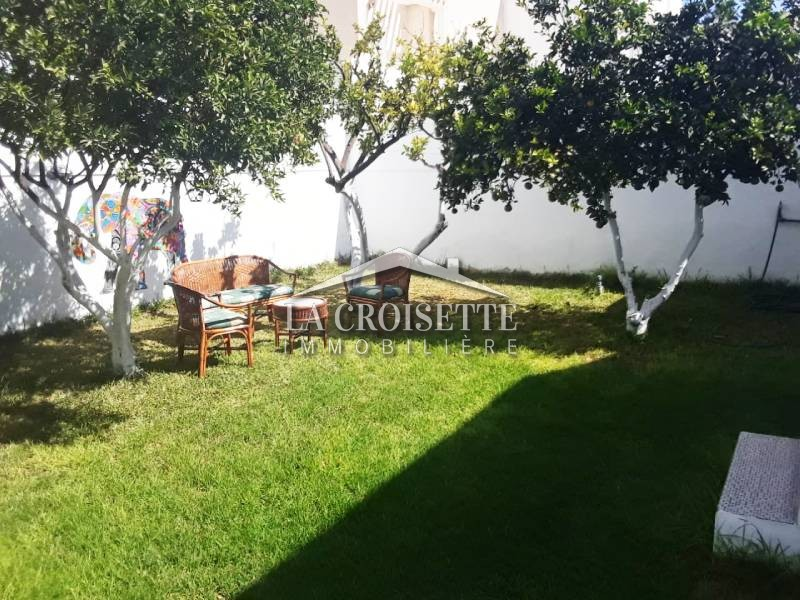 Villa S+3 avec jardin à La Marsa