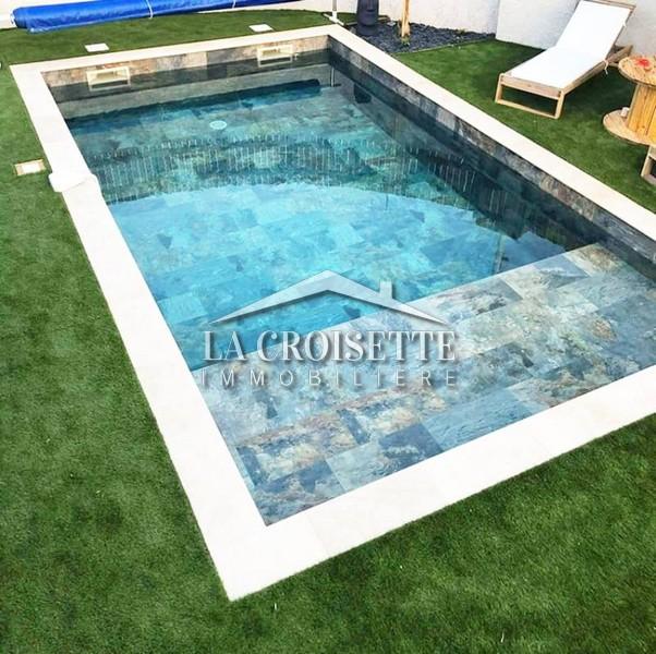 Villa S+4 avec piscine à Carthage