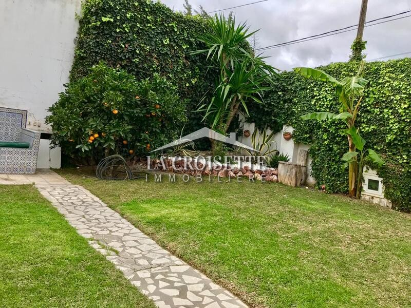 Villa S+3 à La Soukra