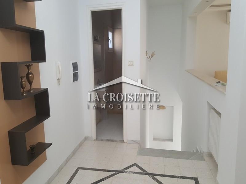 A louer un étage de villa s+2 meublé au lac 2