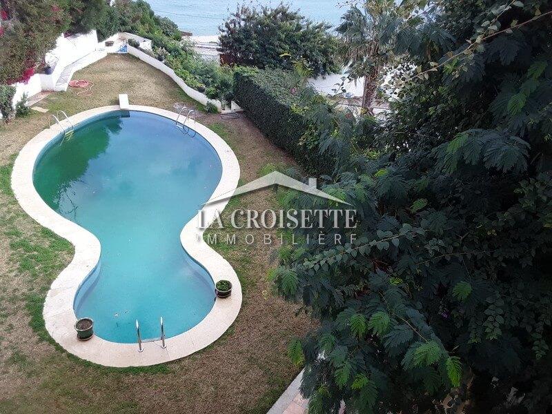 Etage de villa S+5 vue sur mer à Gammarth