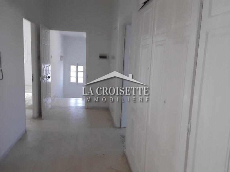 Un étage de villa S+5 à La Marsa