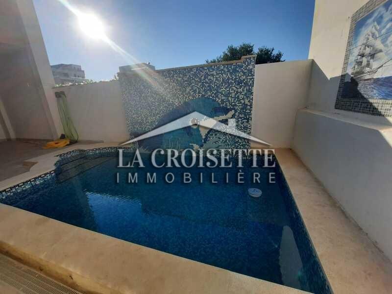 Rez-de-chaussée de villa S+3 avec piscine à La Marsa