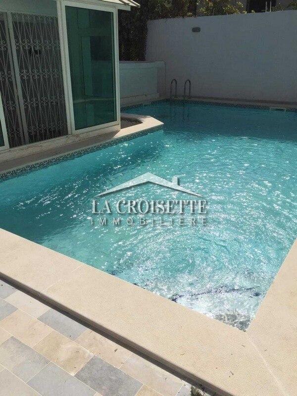 Une belle villa avec piscine à Gammarth