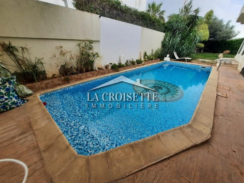 Villa S+5 avec piscine aux Berges du Lac 1