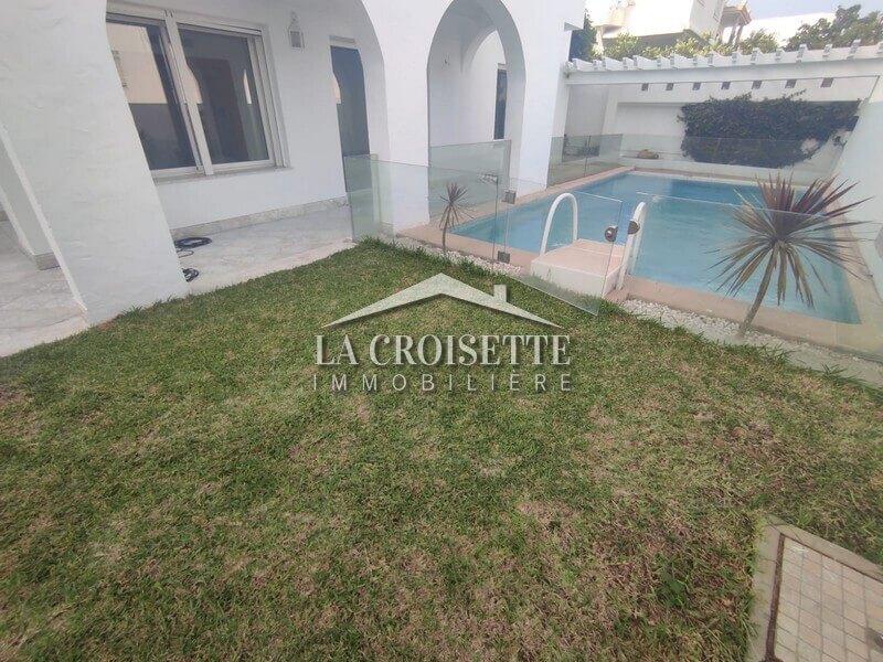 Villa S+5 avec piscine à Carthage